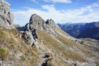 Am Nebelhorn und anderen Seilbahnstationen könnt Ihr kostenlos Deuter Kid Comfort III Kindertragen ausleihen.  Foto (c) Kinderoutdoor.de