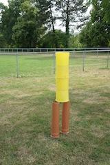 Dosenschießen mit dem Fußball. Wer räumt ab? Foto (c) Kinderoutdoor.de