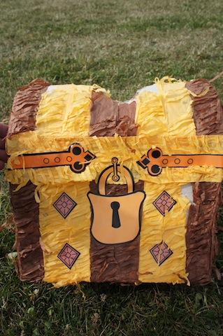 Der Schatz von unserer Cowboy Schnitzeljagd ist gefunden. Foto (c) Kinderoutdoor.de