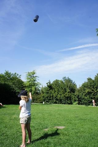Da fährt der Zeppelin am Himmel! Foto (c) Kinderoutdoor.de