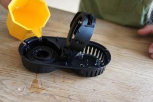 Wasser marsch! Zuerst das Powertrekk befüllen, wenn das auch mit Schwierigkeiten verbunden ist.  Foto (c) Kinderoutdoor.de