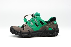 Auch im Sommer kommen die Kinderfüße in den neuen Superfit Schuhen nicht ins Schwitzen: Gore Tex Surround leistet ganze Arbeit. Foto (c) Superfit