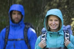 Columbia beschichtet Regenjacken, anstatt sie mit einer Membran auszustatten.  Foto (c) Columbia