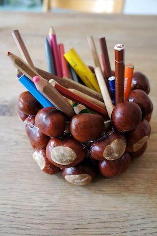 So sieht die fertige Stiftebox aus Kastanien aus. foto (c) Kinderoutdoor.de