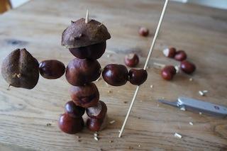 Fast ist der Kastanienritter fertig.  Foto (c) kinderoutdoor.de