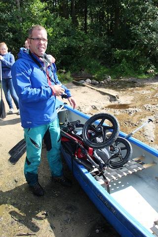 Ein Kinderwagen sticht in See! Der Bob Revolution Pro machte auch dieses Abenteuer mit.  Foto (c) KPB